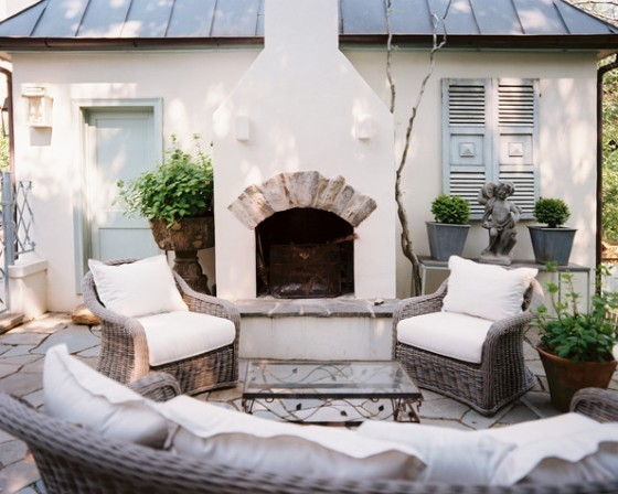Mediterranean+outdoor+fireplace+wicker+furniture+XE_OU7BxVCEl