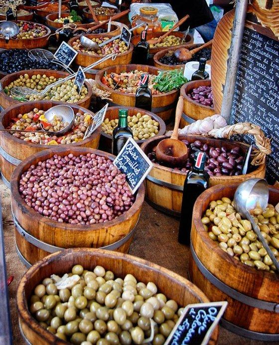 Beaune-market-olives_Snapseed